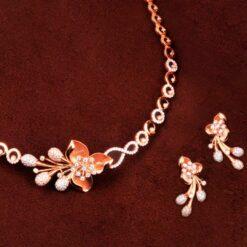 Dazzle Flower necklace